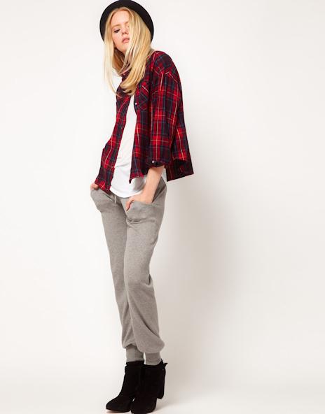 Avec quoi porter une chemise carreaux rouge taaora for Que porter avec du gris