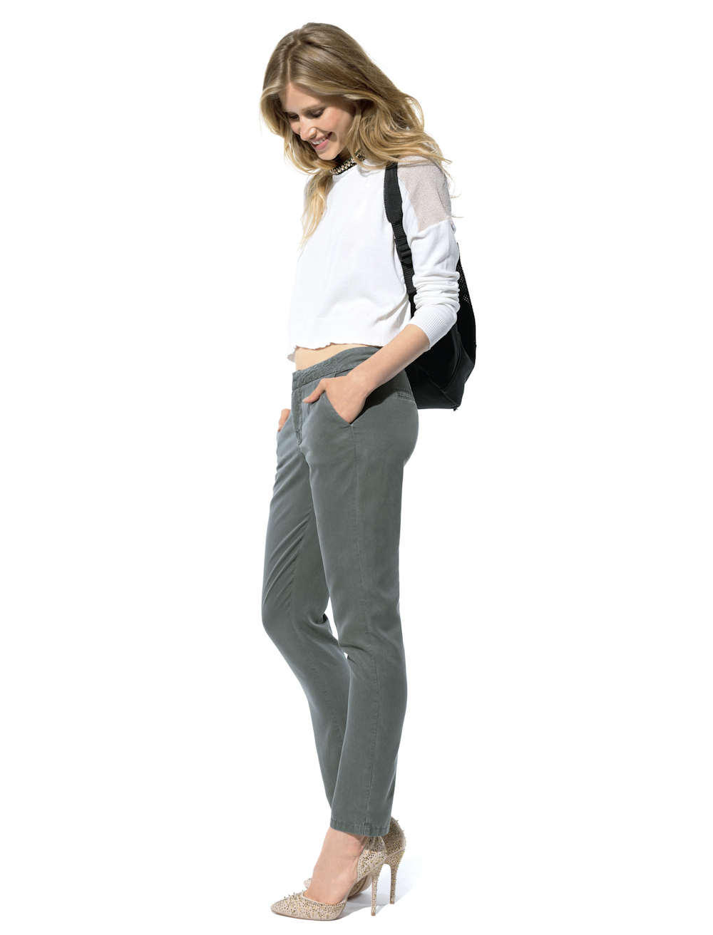 Avec quoi porter un pantalon kaki 6 id es de looks adopter cet automne hiver taaora blog - Quelle couleur avec pantalon bleu marine ...