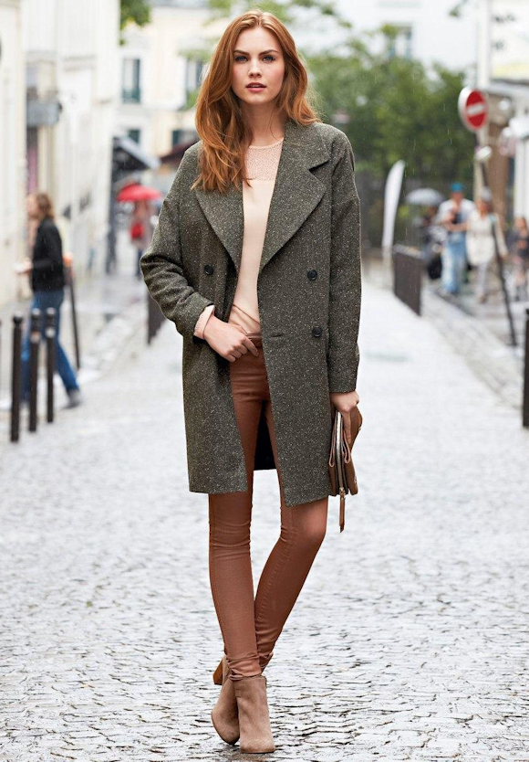Avec quoi porter un long manteau gris