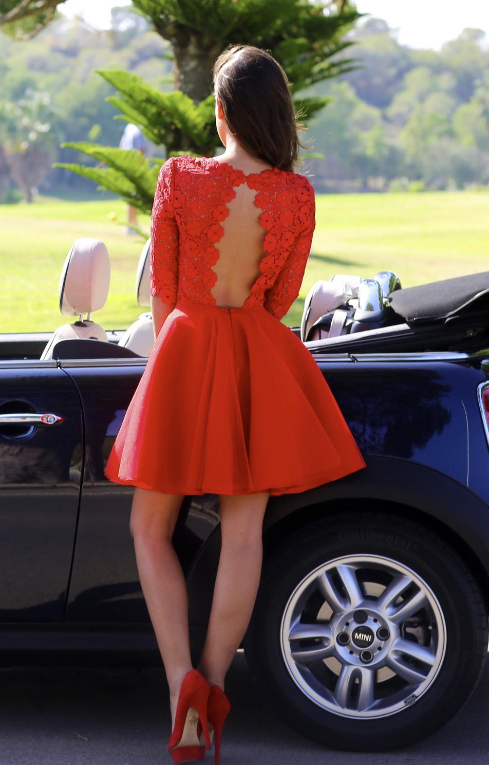 Look avec robe de soirée rouge