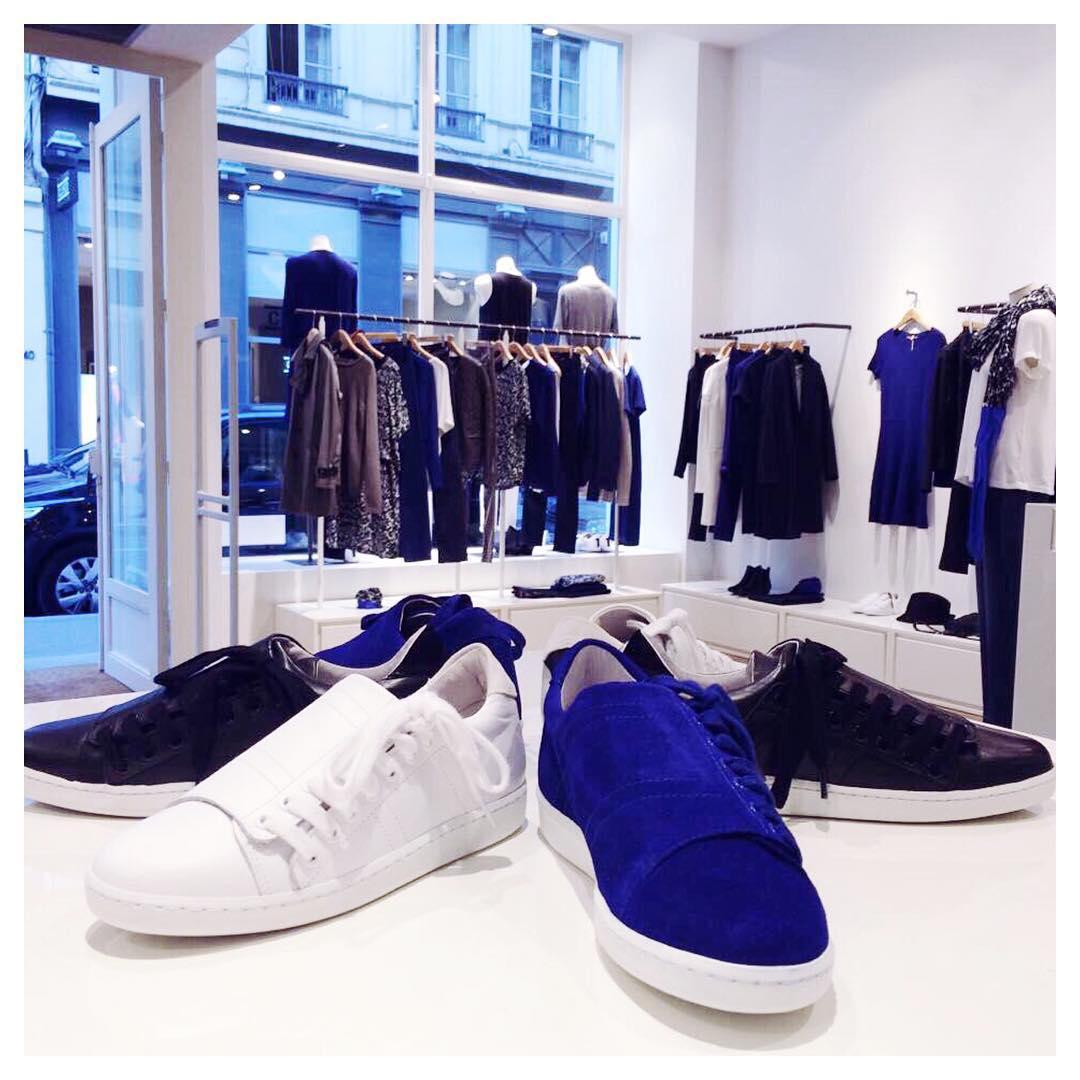baskets slash en daim bleu apr s les sneakers slash blanches comptoir des cotonniers nous. Black Bedroom Furniture Sets. Home Design Ideas
