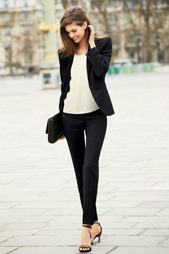 Fantastic Look chic élégant avec veste de tailleur noire, pantalon cigarette  CN73