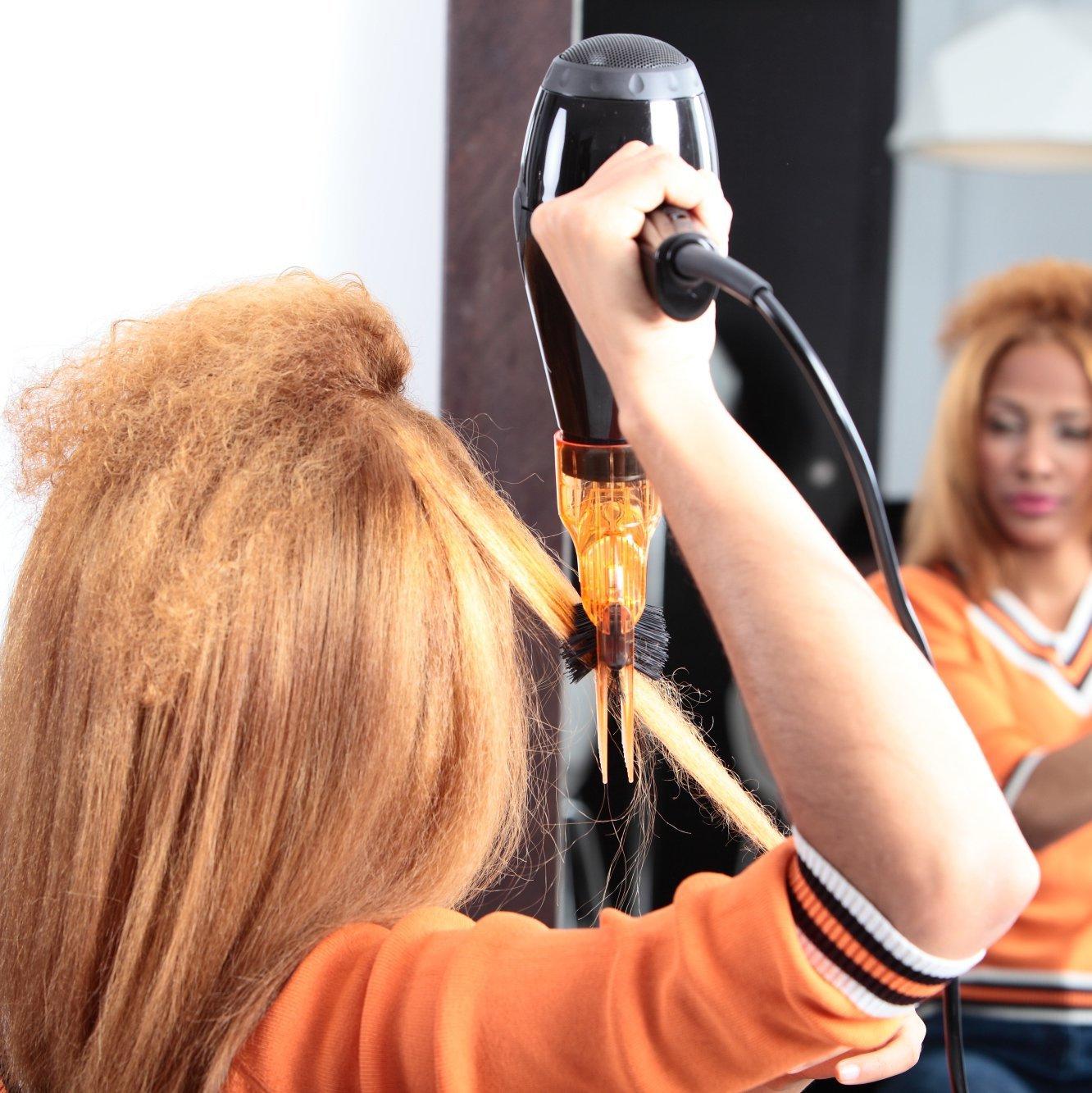 Brushing sur cheveux frisés