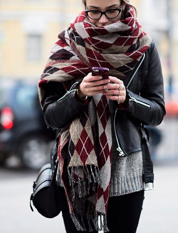 EN IMAGES   Comment être stylée en hiver quand il fait froid ... e4c814ba178