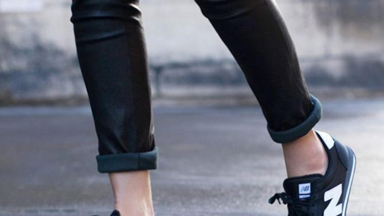 New Balance bleu marine avec un slim noir façon cuir