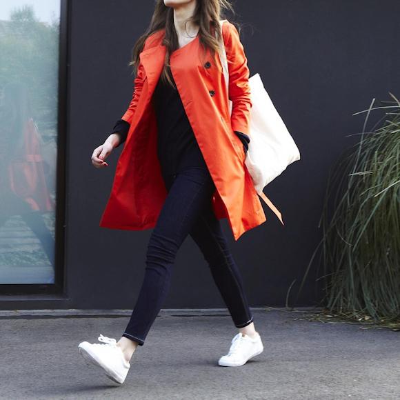 look avec un trench orange couleur tendance du printemps t 2016 taaora blog mode. Black Bedroom Furniture Sets. Home Design Ideas