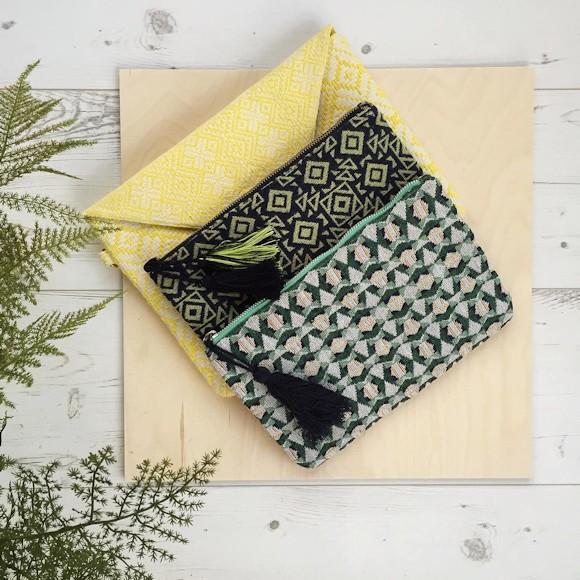 3 pochettes imprim es ethnique chic pour le printemps t taaora blog mode tendances looks. Black Bedroom Furniture Sets. Home Design Ideas
