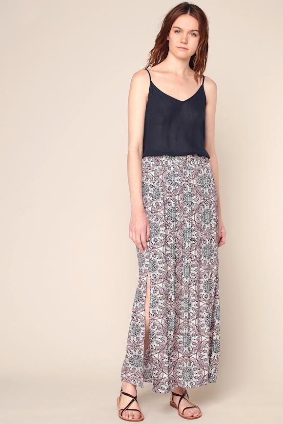 look d t boh me avec une jupe longue imprim e et un d bardeur fines bretelles petit prix. Black Bedroom Furniture Sets. Home Design Ideas