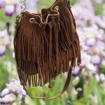 Le sac seau à franges revient en force pour l'été 2016 (parfait pour compléter un look bohème chic)