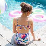 Un maillot imprimé floral noué au dos pour cet été !