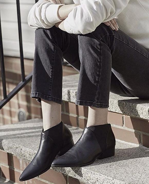 ces bottines noires casual peuvent aller avec toutes les tenues taaora blog mode tendances. Black Bedroom Furniture Sets. Home Design Ideas