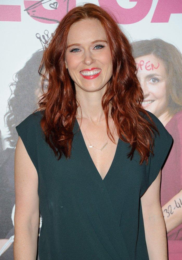 Cheveux roux auburn les plus belles colorations auburn - Quelle couleur porter quand on est rousse ...