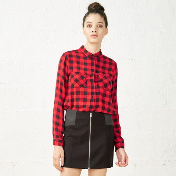 chemise carreaux rouge et noir style b cheron jupe courte noire zipp e taaora blog mode. Black Bedroom Furniture Sets. Home Design Ideas