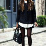 Le look black and white de Sincerely Jules avec des boots rock : sa tenue à shopper