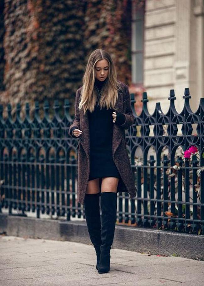 tenue simple et efficace avec des cuissardes noires avec une robe pull noire et un manteau. Black Bedroom Furniture Sets. Home Design Ideas