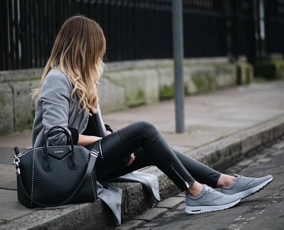 Avec quoi porter des Nike Air Max grises ? Un look parfait à copier !
