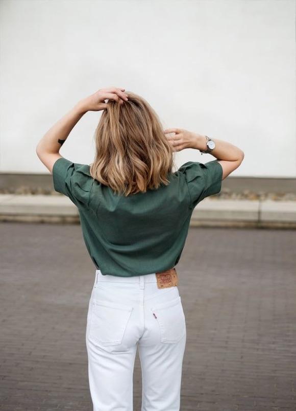 Chemise kaki avec jean blanc