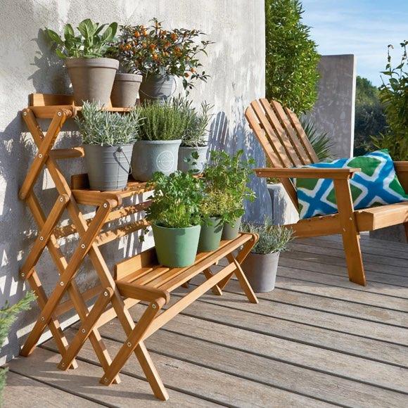 Etagere De Jardin A 3 Niveaux La Bonne Idee Deco Pour Le