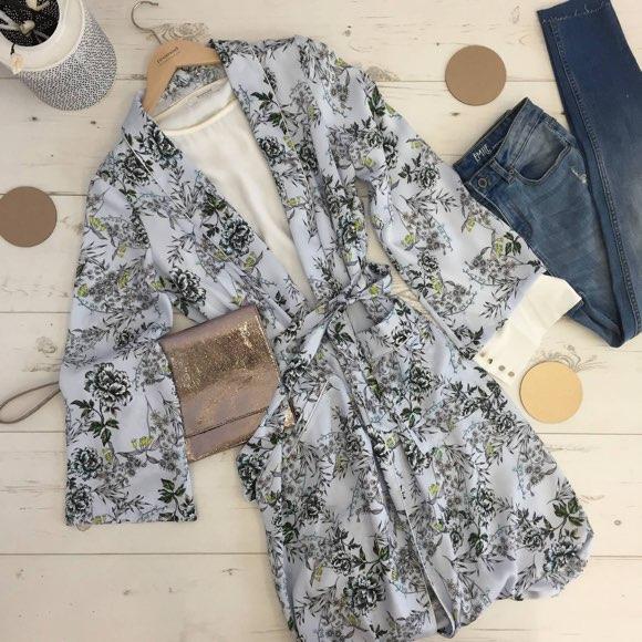 Tenue avec kimono long imprimé