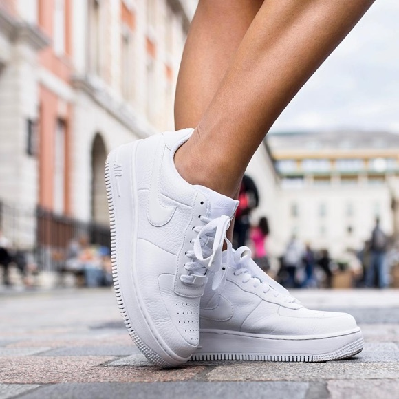 Baskets Nike Air Force blanches