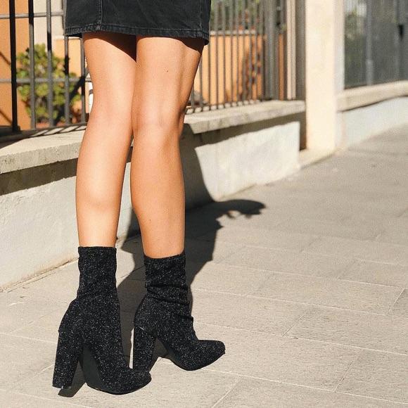 Bottines noires effet chaussettes