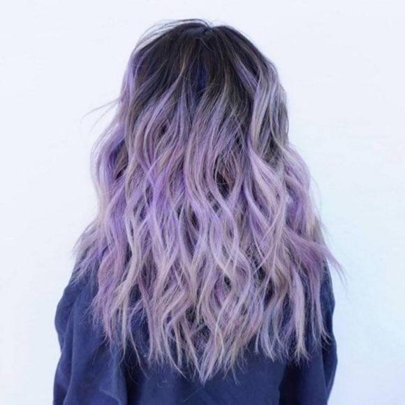 Se colorer les cheveux en violet