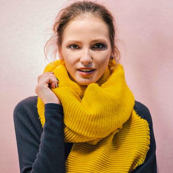 Écharpe jaune côtelée automne-hiver