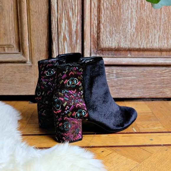 Boots style folk slave