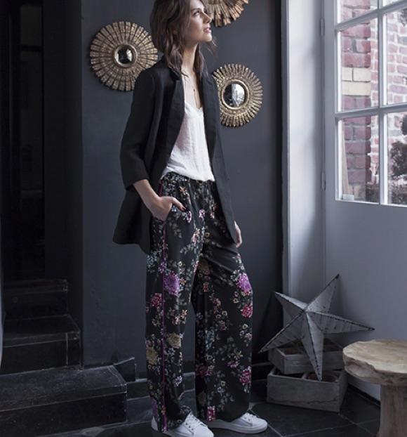 Look pantalon à fleurs