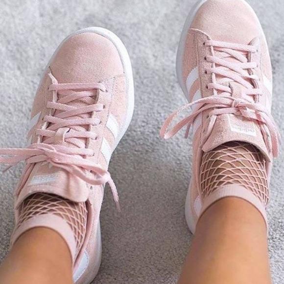 Adidas Gazelle rose avec chaussettes résille