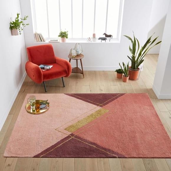 Décoration cosy et cocooning : fauteuil vintage rouge + tapis rose ...
