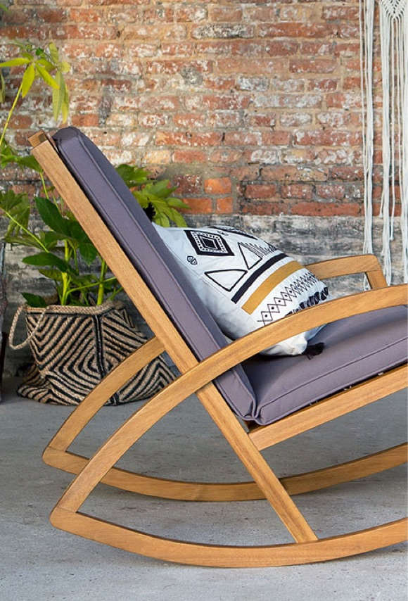 pause farniente avec ce rocking chair de jardin taaora. Black Bedroom Furniture Sets. Home Design Ideas