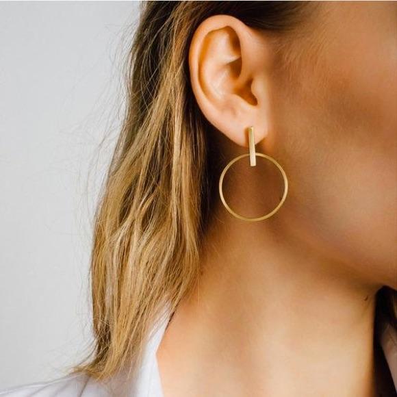 Boucles d'oreilles créoles anneau et barre