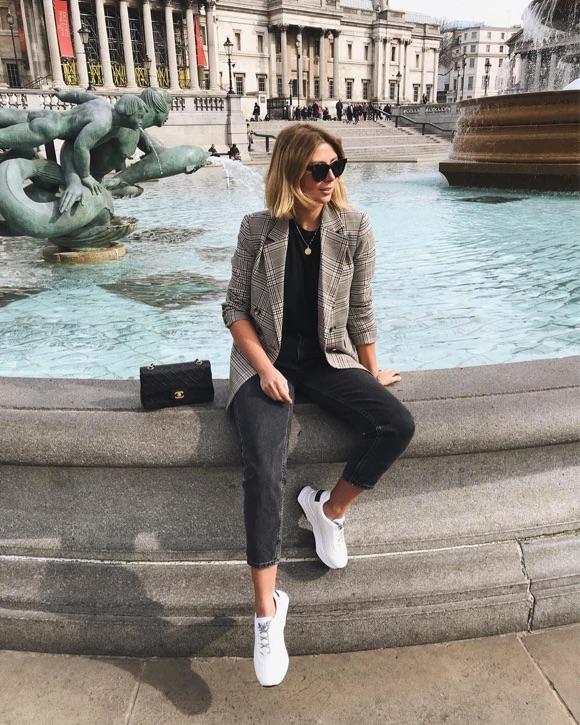 75aac9857446a Streetstyle : comment être chic en baskets ? – Taaora – Blog Mode ...