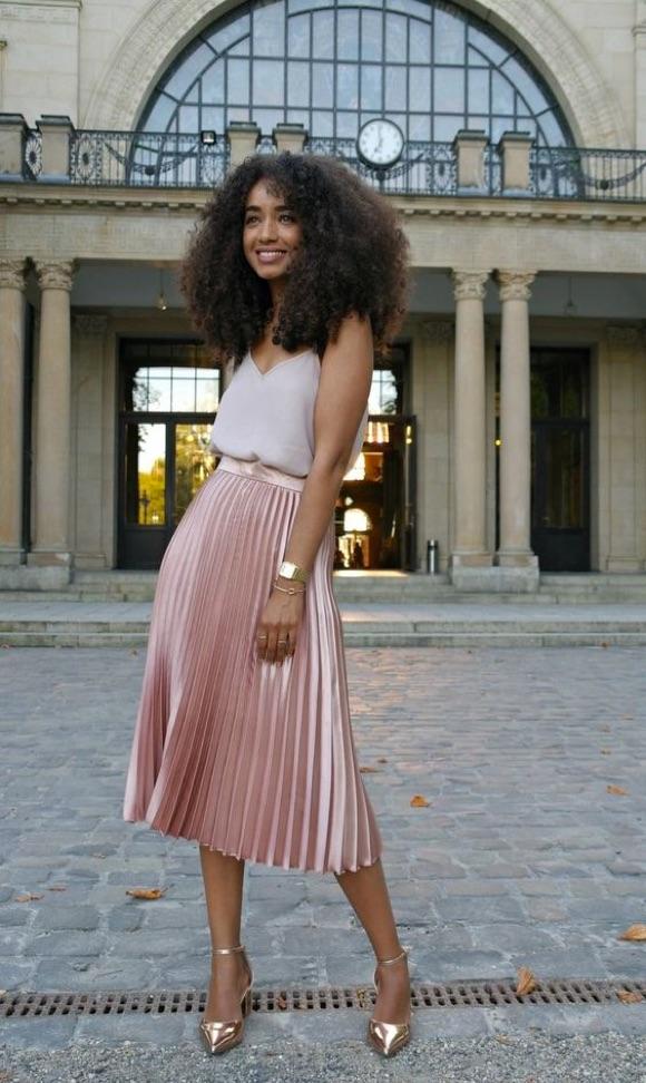 Jupe plissée rose : avec quoi porter ?