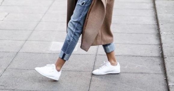 esthétique de luxe joli design de gros Look baskets blanches : 3 tenues simples et efficaces ...