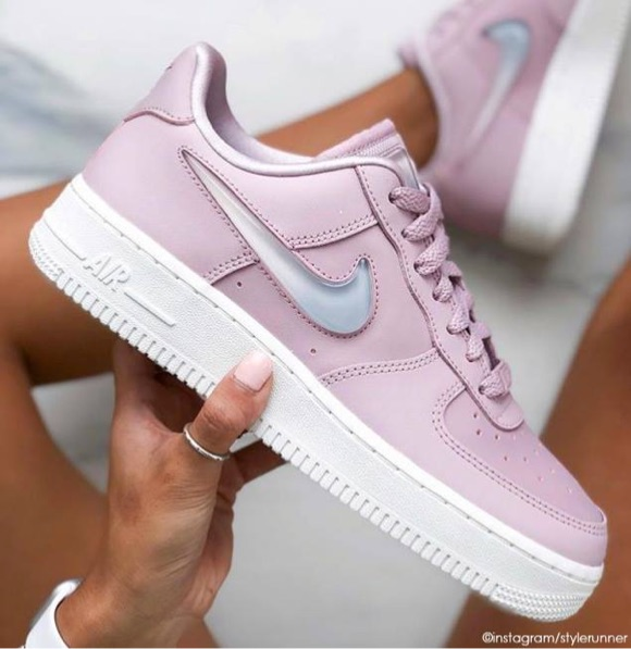 basket femme nike air force 1 rose