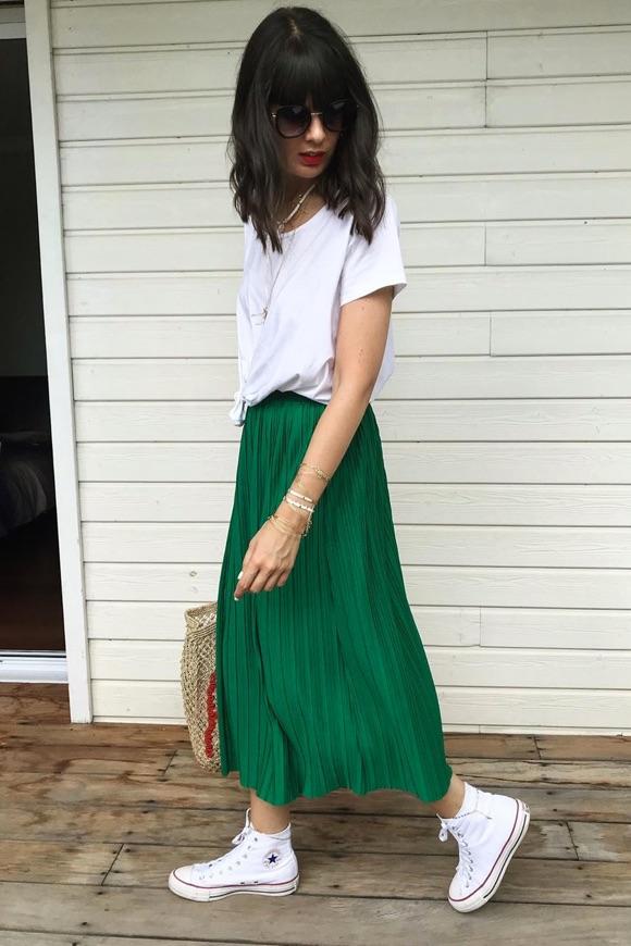 Look jupe verte plissée