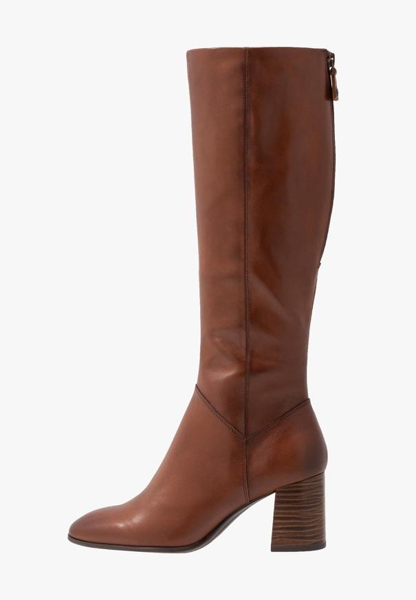 Quelle robe porter avec des bottes en hiver ? - Taaora - Blog Mode, Tendances, Looks