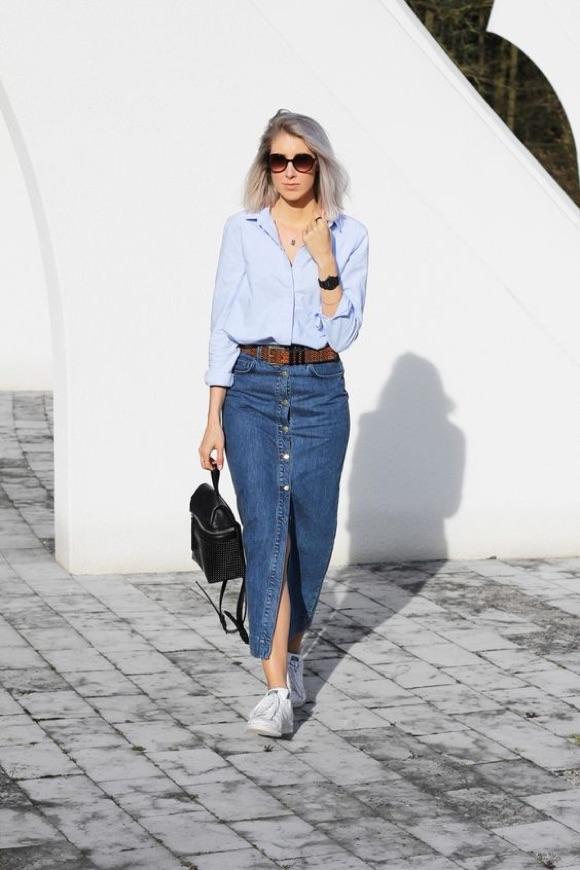 Comment porter une jupe en jean longue ?
