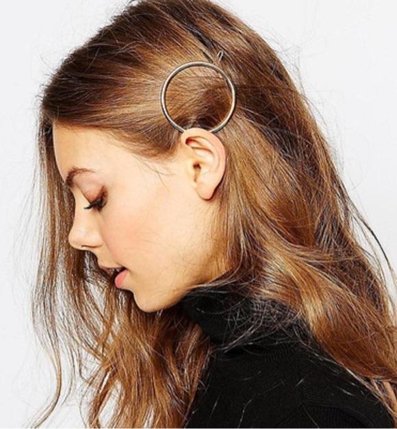 Coiffure barrette cheveux