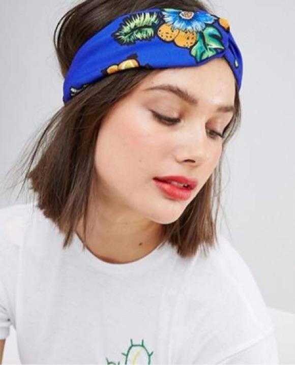 Coiffure foulard bandeau
