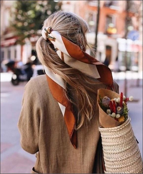Coiffure foulard cheveux