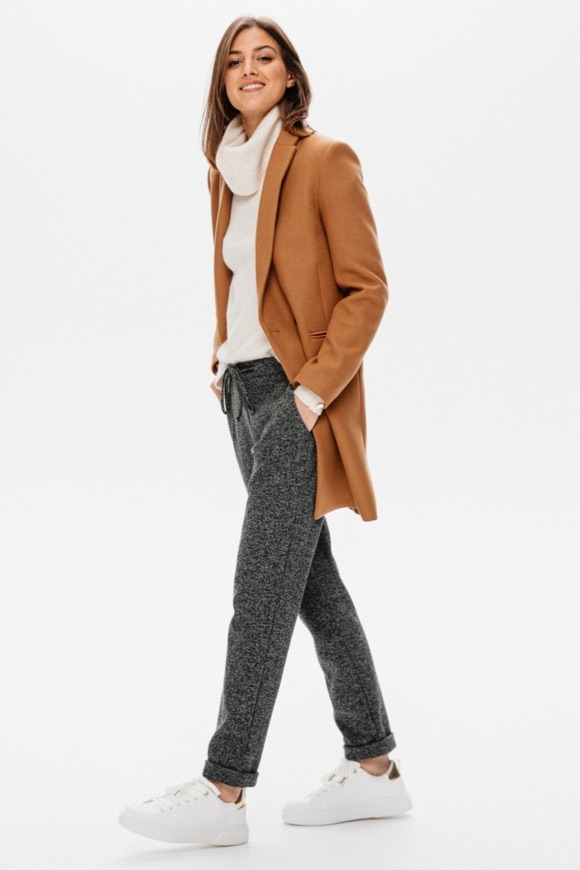 Tenue causal chic femme hiver