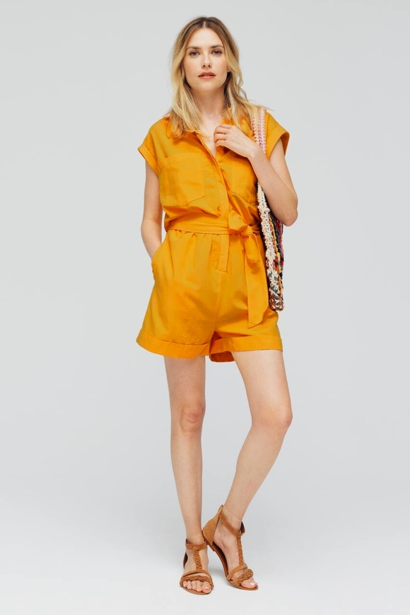 Combishort couleur jaune-orangé safran
